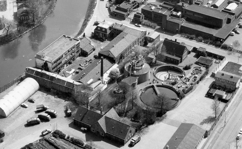 Stoomluciferfabriek op oud beeld